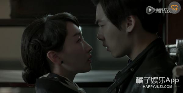 等了《麻雀》40集终于有李易峰周冬雨吻戏了,而且还是深吻...