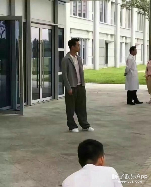 刘涛攻气十足,王子文呆萌温柔,想把《欢乐颂》五美集体抱回家
