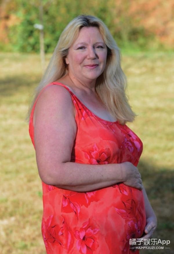 英国50岁大妈代孕上瘾 生十几个娃赚83万