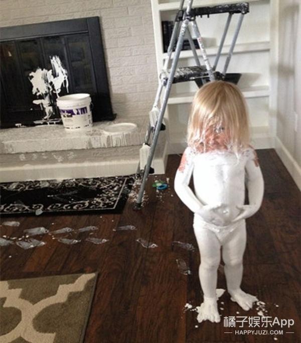 被父母玩坏了!儿童尴尬家庭照让人爆笑