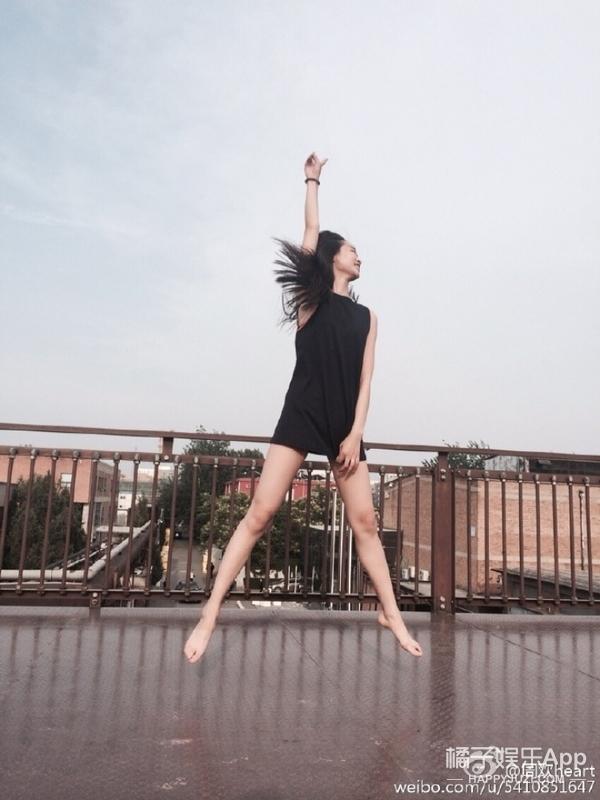 2017春夏时装周的最大黑马——周欢,说不定人家就是下一个刘雯!