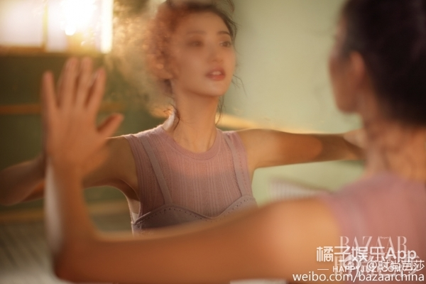 【时装片】大发!景甜跳芭蕾的行头也要超时髦!