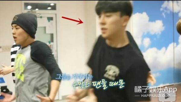 和EXO是亲故,给少时伴过舞,原来张艺兴MV里那个超帅的小哥这么厉害