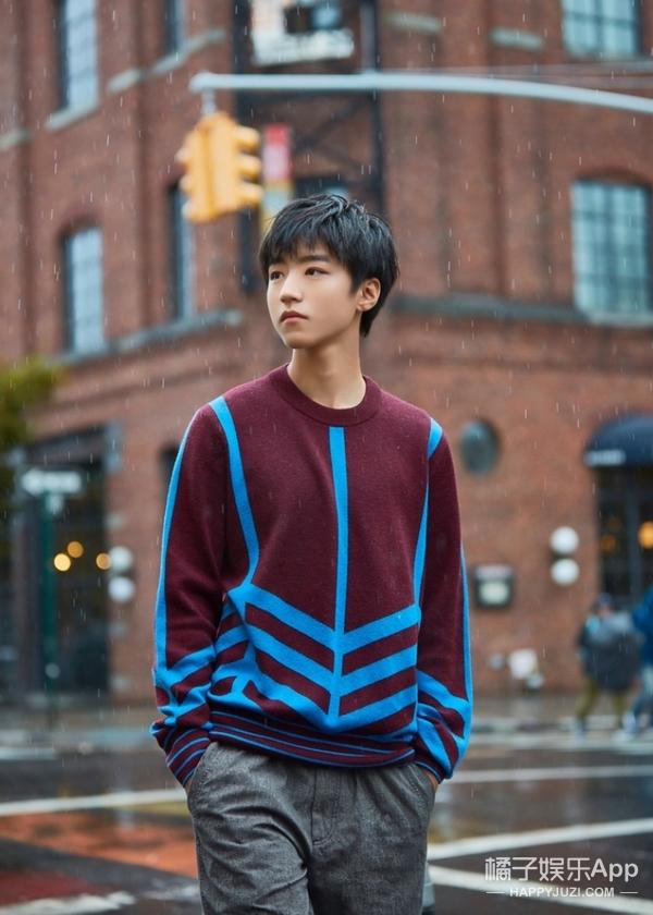 【时装片】王俊凯现身初秋的纽约,忧郁美少年初成长!