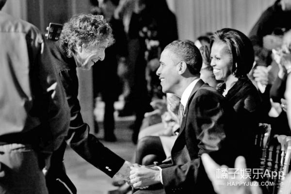 拿下诺贝尔文学奖的鲍勃·迪伦 | 偶尔酷不难,难的是酷一辈子!
