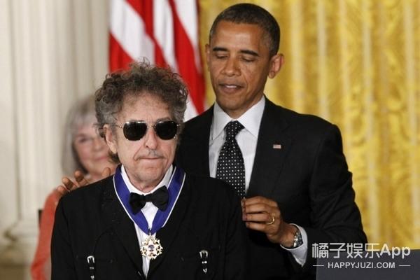 鲍勃·迪伦:他是乔布斯、奥巴马的偶像,奥斯卡、格莱美、诺贝尔都得过了
