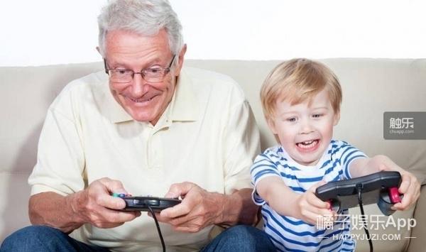 71岁俄罗斯爷爷爱上了打CS,游戏瘾真不是只有少年才有