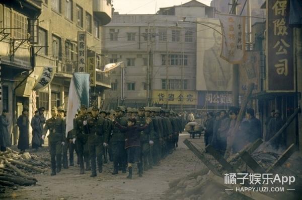 斯皮尔伯格的中国故事:动员5000上海师生及解放军捧红少年蝙蝠侠