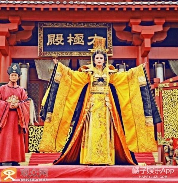 唐嫣金鹰女神出场秀,这架势跟女皇登基似的!