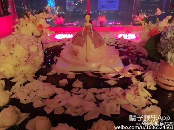 玫瑰铺地、粉红霸屏,赵丽颖今年的生趴完全暴露了她的少女心