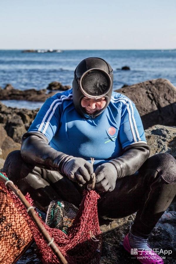 现实版美人鱼平均年龄70岁,你吃的美味都出自她们之手