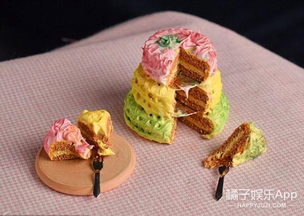 英主妇用粘土制作超级精致微型糕点