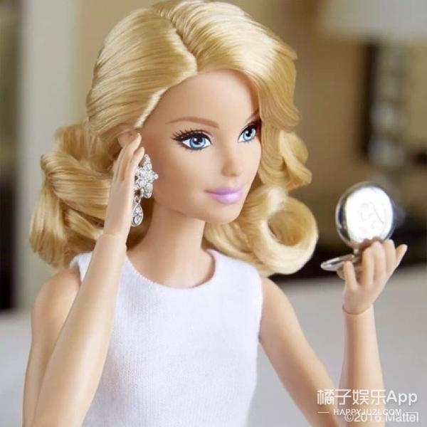 """她被称为""""行走的芭比娃娃"""",可是未p图时长这样..."""