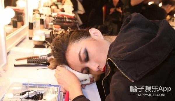 没成想 省掉四分之一的化妆品 你竟然变美了三倍