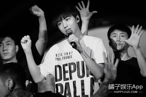 17岁背后的王俊凯:被包围的偶像