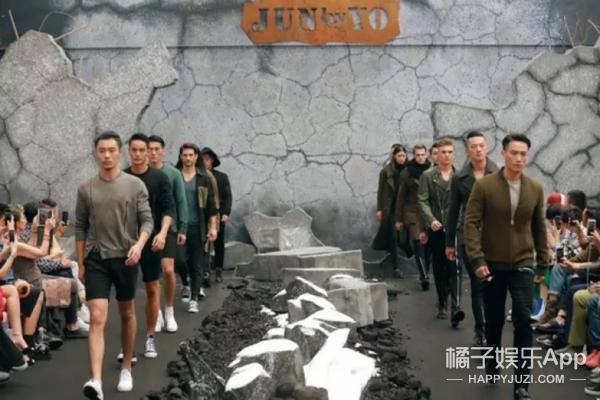 """胡""""军""""嗨爆上海时装周,这场行走的荷尔蒙燃点太高!"""