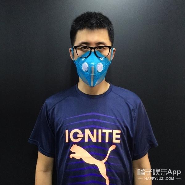 你们排队都买不到的Yeezy鞋,已经被这个北京男孩做成口罩了!