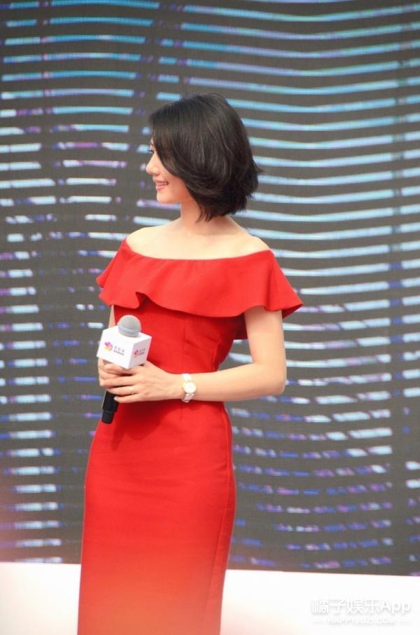 谁说高圆圆只穿大牌?这条Zara399元的小礼裙也照样美!
