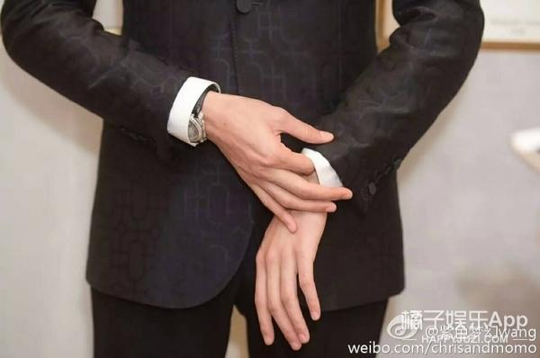 【肉体饭】他的手指戳中我的苏点,一指不够请给我十指!