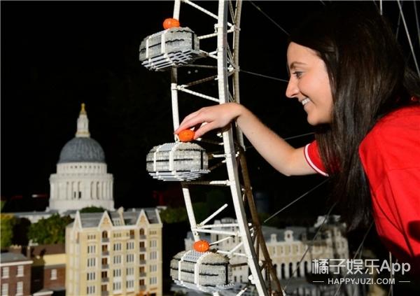 英国展出世界上最小的南瓜灯,超萌超mini