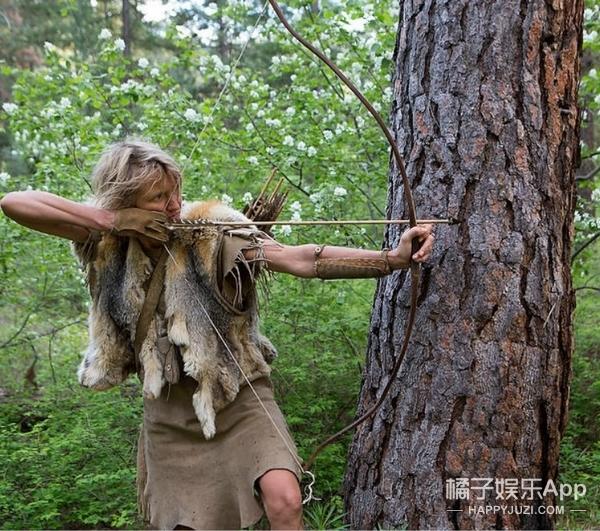 不当音乐人,她跑到森林里当了25年的女猎人