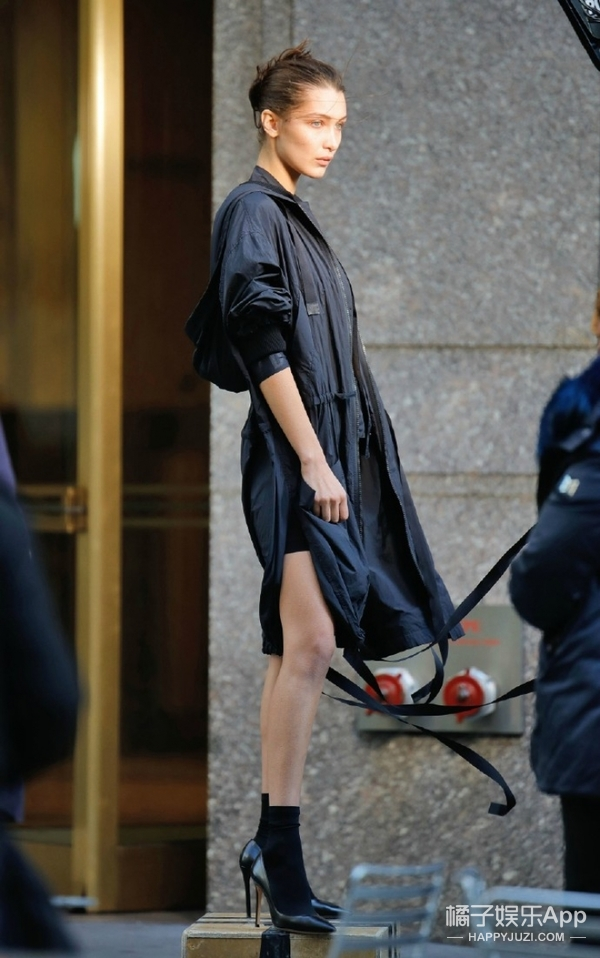 Bella Hadid第一次要上维密了!而且不出意外DKNY新代言人也是她了!