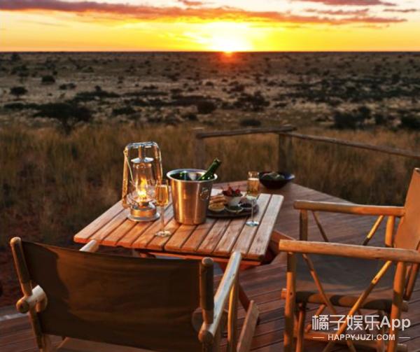 △Tswalu Kalahari酒店房间内精美的晚餐