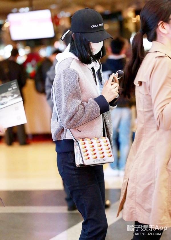 """【包你美】""""胶囊""""包被下架?可我看刘诗诗、马思纯还背它卖萌呢!"""