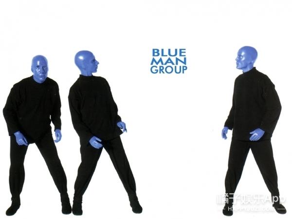 在一堆水管上敲出EDM和西游记主题曲,估计也就蓝人秀能做到了