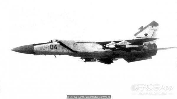 冷战时期震撼世界的叛逃 偷苏联战机的飞行员