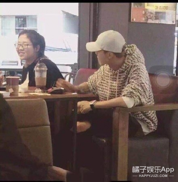 卫衣陈伟霆、破洞牛仔裤鹿晗被偶遇,难道这是新的流行趋势?
