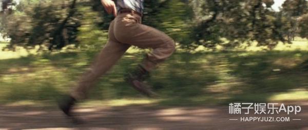 《阿甘正传》22年,这个只会跑步的傻子究竟教会了我们什么?
