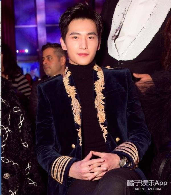 杨洋、吴亦凡、许魏洲,玩起宫廷风的他们都是时髦贵公子!