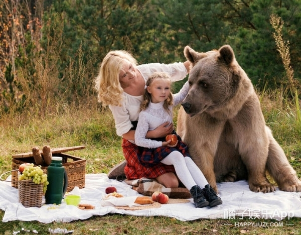 这才是战斗民族的婚礼,灰熊来当证婚人