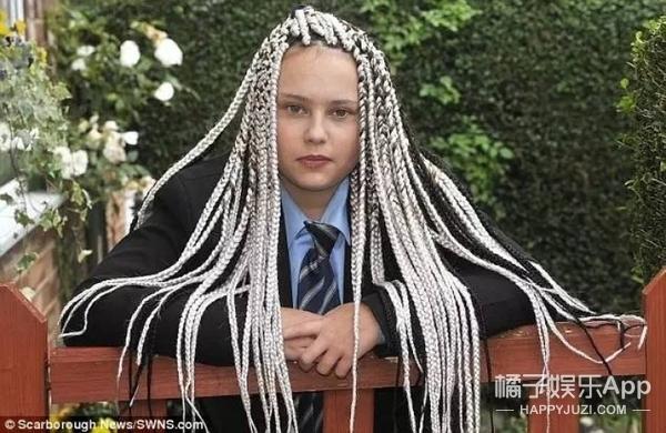 校服发型不合格不准进学校,这种事英国也总有