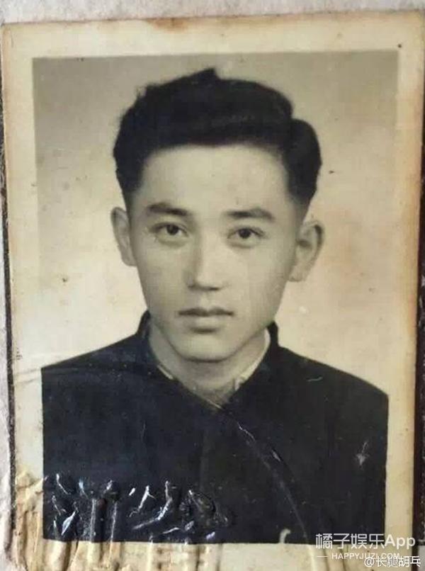 网友晒20年前的爸妈,各个都赛过鹿晗杨幂吴亦凡!