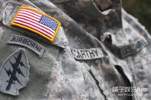 美国军队制服上国旗肩章为啥是反的?原因真的很鸡汤