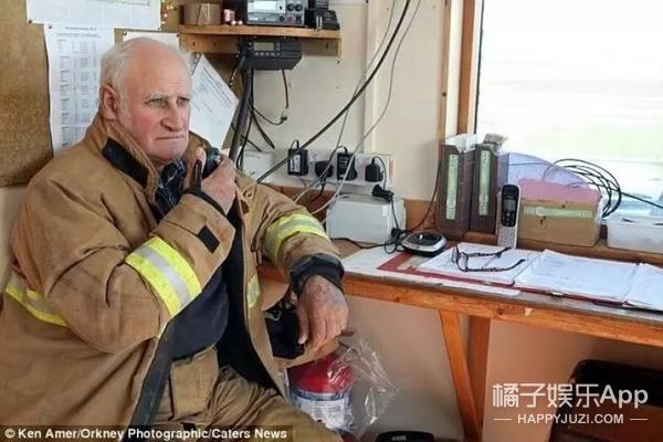 这个大爷同时干了20份工作,67岁也不退休