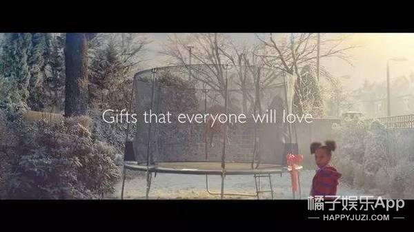 JohnLewis今年的圣诞广告竟然不走煽情路,但人家依旧让你忍不住买买买!