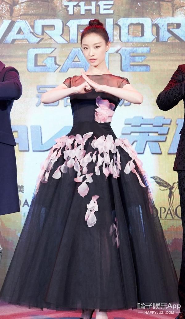 赵又廷和倪妮不仅颜值养眼!衣品也足以撑起全组的一片天!