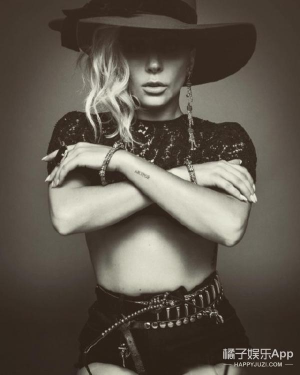 【时装片】Lady Gaga褪去夸张的造型,展现最真实美好的另一面~