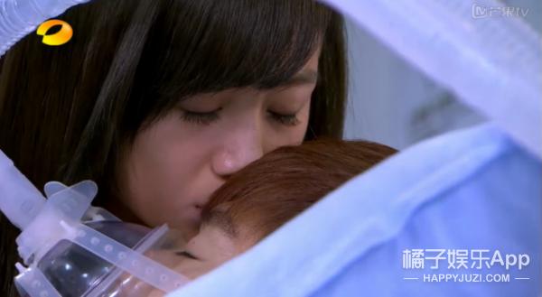 失忆、发狂、高烧,10部影视剧告诉你与非人类生物接吻到底会发生啥