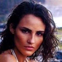 费尔南达·塔瓦雷斯