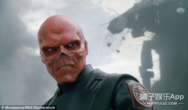 因酷爱美国队长,37岁老爸将自己整成红骷髅