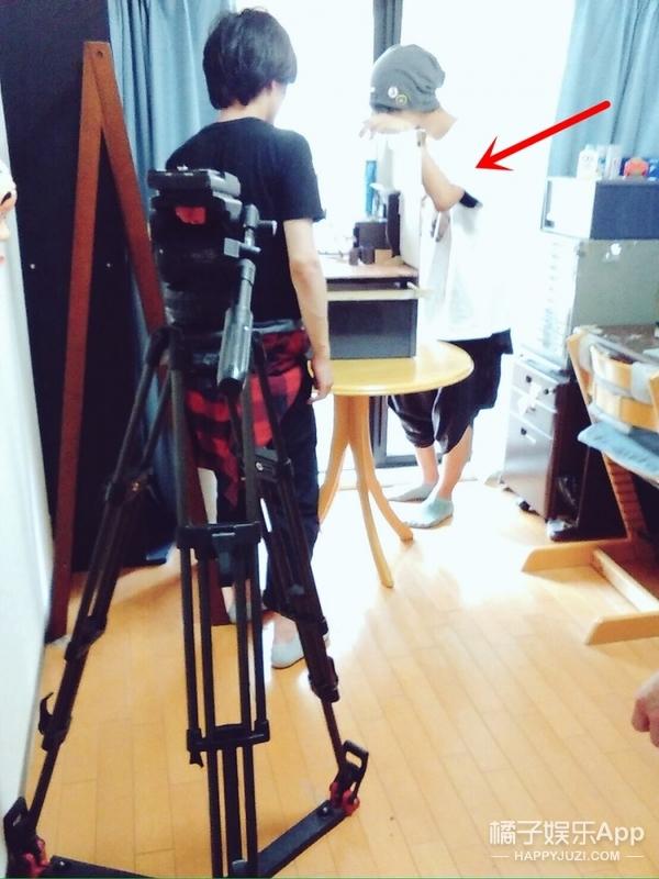 18岁日本高中生公开房间照片,知道真相的网友都跪了