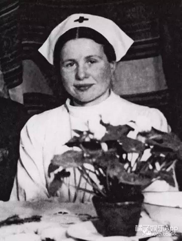 """女版""""辛德勒"""",她用棺材和尸袋救了2500个生命"""