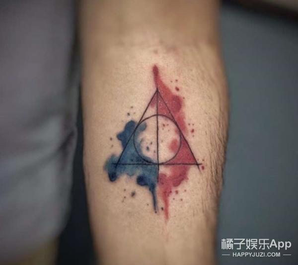 如果你是哈迷,就一定会认出的低调哈利波特风魔法纹身