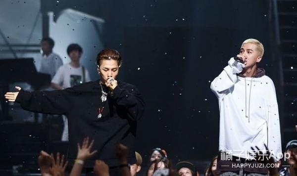 TA很红丨宋闵浩一个舞台上霸气侧漏的rapper~台下却也有着反差萌的可爱少年!