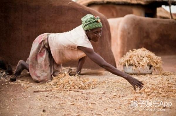 非洲巫女村庄,这里全是被人抛弃的女人