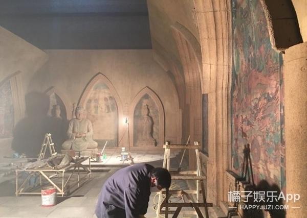 壁画画到手抽筋、怪物用真人拍,终于懂了《鬼吹灯》为啥会好看